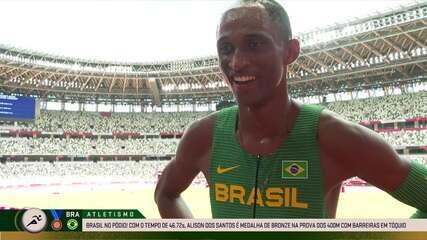 """Alison dos Santos comemora o bronze: """"Essa medalha é nossa, é do Brasil!"""" - Olimpíadas de Tóquio"""