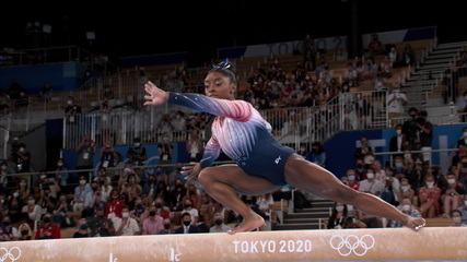 Simone Biles retorna e faz boa apresentação na trave - Olimpíadas de Tóquio