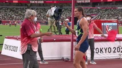 VAR no decatlo? Veja revisão em salto de russo após barra cair - Olimpíadas de Tóquio