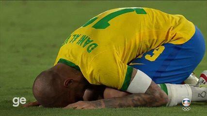 Jogadores do Brasil comemoram ouro no futebol - Olimpíadas de Tóquio