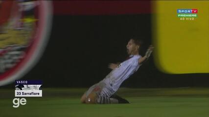 Aos 13 min do 1º tempo - gol de cabeça de Sarrafiore do Vasco contra o Vitória