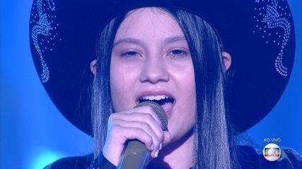 Maria Victória canta 'Se Deus Me Ouvisse'