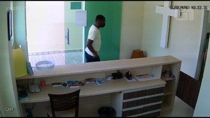 Homem engana padre e leva dinheiro que seria usado para compra de cestas básicas na BA