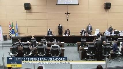 Câmara de Guarujá adia votação de PL que prevê 13º e férias para os vereadores