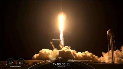 SpaceX: Veja a decolagem do 1º voo espacial em volta da terra tripulado apenas por civis