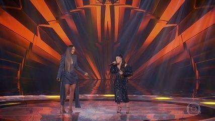 Ivete e Simone abrem o programa cantando juntas