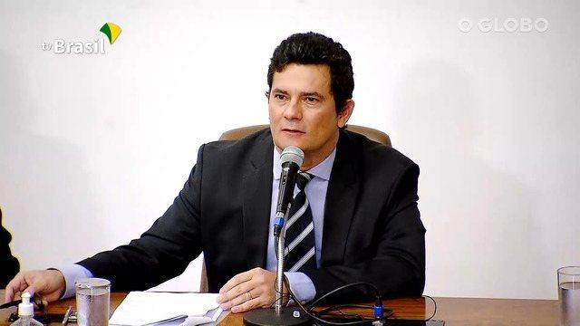 Ao anunciar demissão, ministro da Justiça acusou presidente de tentar interferir política na Polícia Federal, de ter 'preocupação' com inquéritos no STF e comparou autonomia com os governos do PT