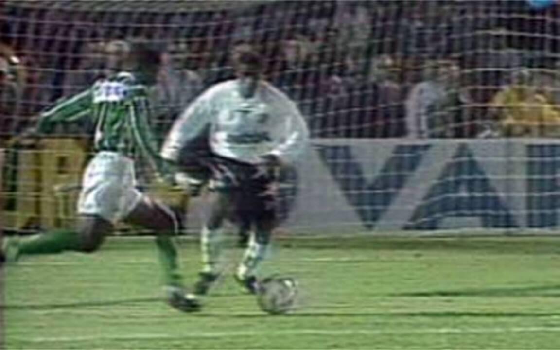 Em 1996, Palmeiras vence o Santos e é o campeão Paulista