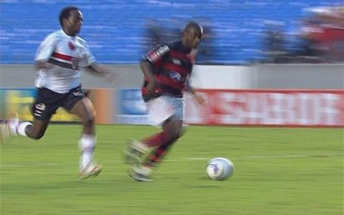 Melhores momentos: Flamengo 2 x 1 São Paulo pela 29ª rodada do Brasileirão 2009