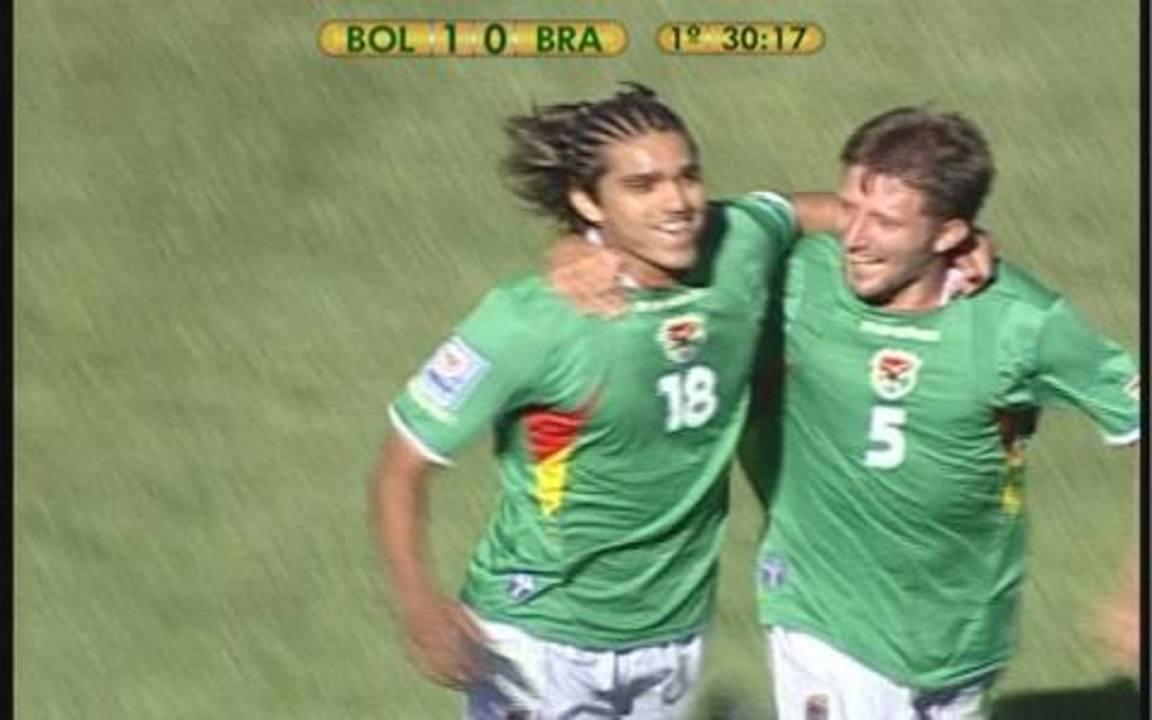 Marcelo Moreno marcou contra o Brasil na vitória da Bolívia, em 2009