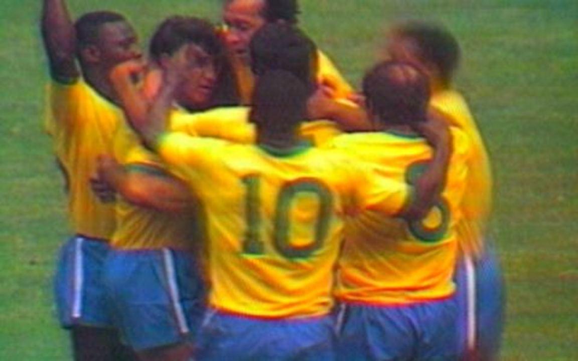 Em 1970, melhores momentos de Brasil 4 x 1 Tchescoslováquia pela Copa do Mundo