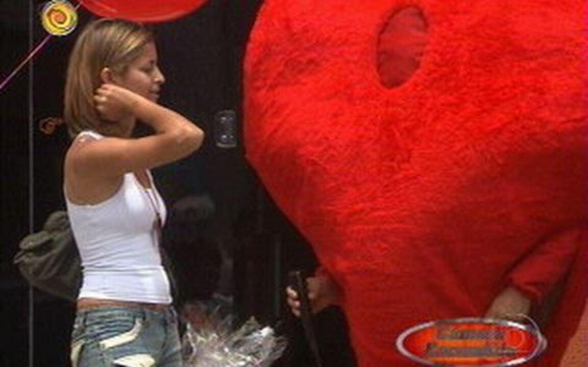 Lata Velha - Huck se disfarça de coração para a captura em Minas Gerais