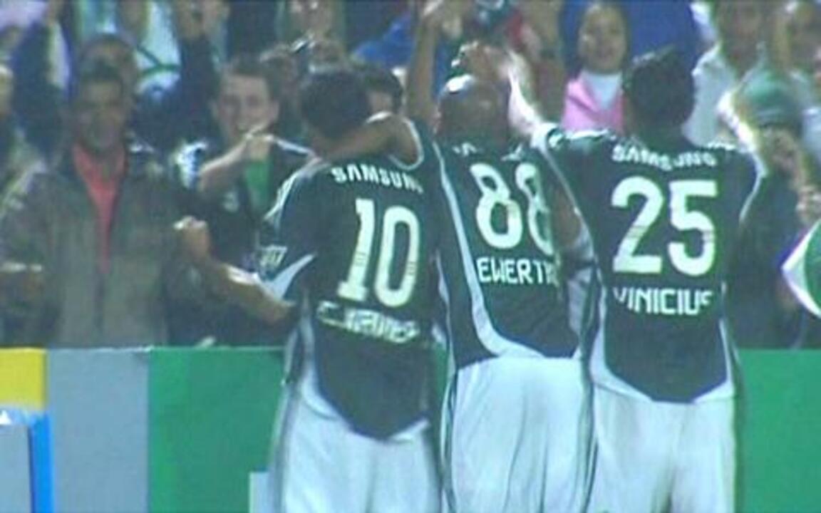 Palmeiras vence o Grêmio no último jogo oficial do estádio Palestra Italia