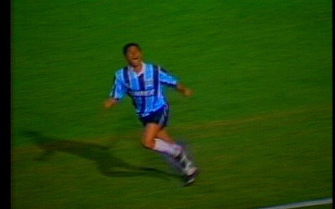 Em 1995, Grêmio goleira Palmeiras por 5 a 0, pela semifinal da Taça Libertadores