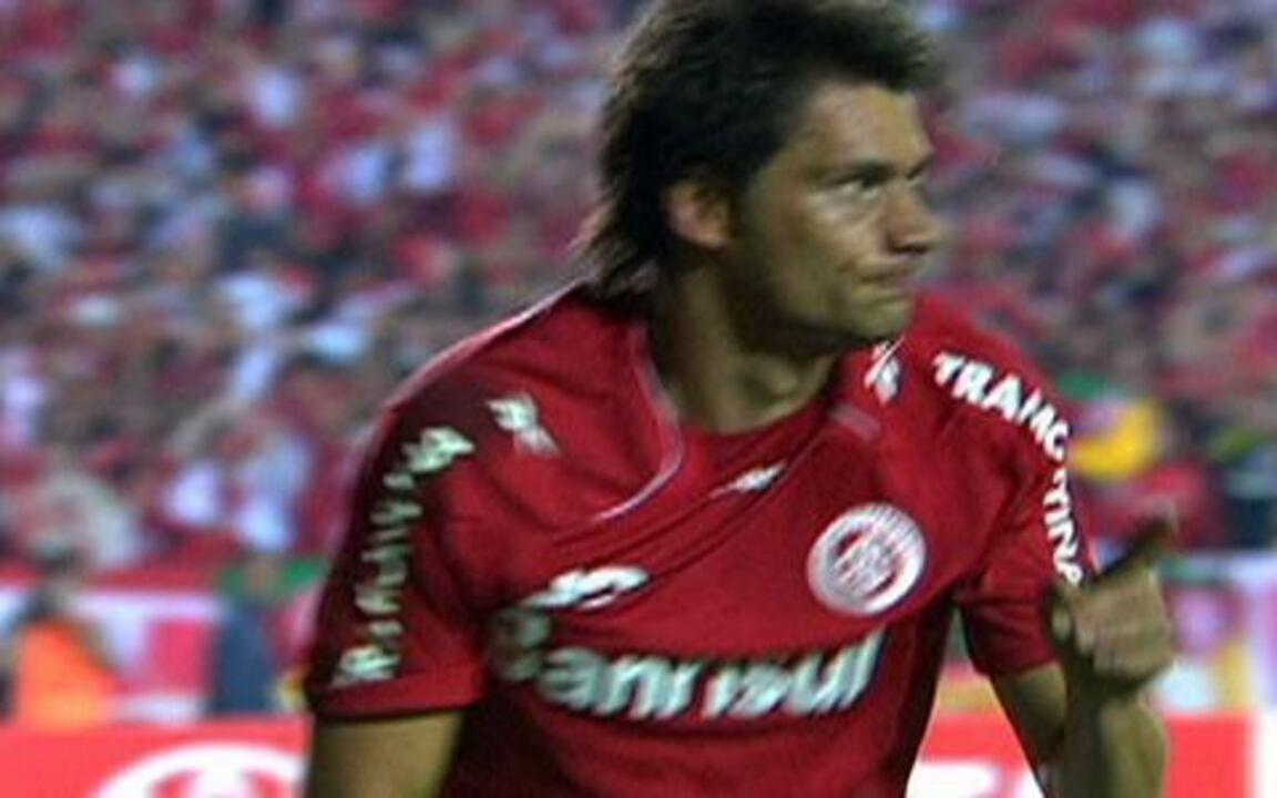 Melhores momentos de Internacional 3 x 2 Chivas pela final da Libertadores 2010
