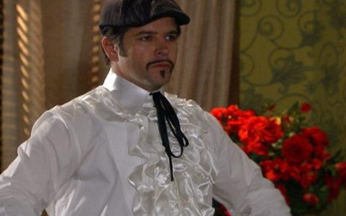 Ti-ti-ti - capítulo de quinta feira, dia 23/09/2010, na íntegra - Suzana é recebida por Victor Valentim.