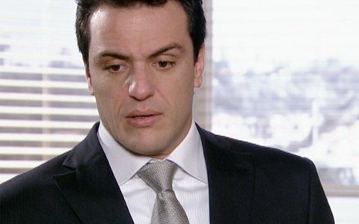 Passione - capítulo de segunda feira, dia 08/11/2010, na íntegra - Mauro estranha o atraso de Diana. Melina insiste para Diana desistir do casamento