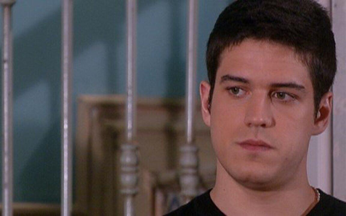 Ti-ti-ti - capítulo de segunda feira, dia 27/12/2010, na íntegra - Jacques surge na casa de Marta e pede a mão de Gabriela para Pedro