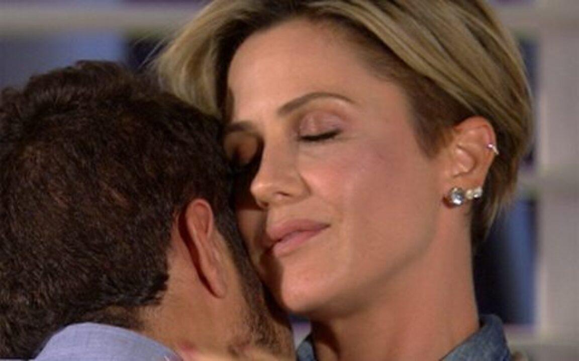 Ti ti ti - capítulo de terça-feira, dia 18/01/2011, na íntegra - Armandinho expulsa Stéfany de casa. Luti pensa em Camila. Gabriela perde o bebê. Luisa seda Edgar