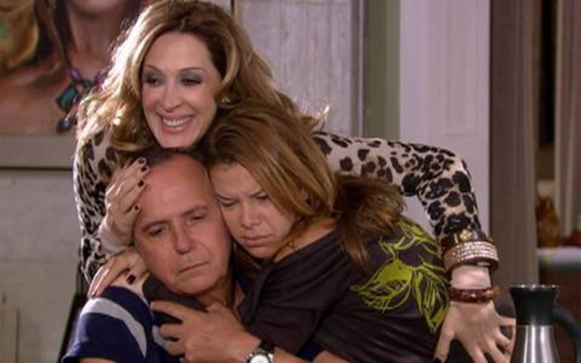 Jaqueline, Breno e Thaísa fazem as pazes