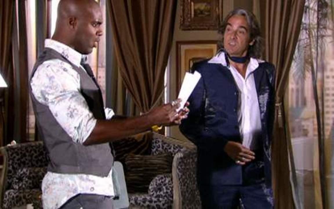 Ti ti ti - capítulo de quarta feira, dia 09/02/2011, na íntegra - Jacques concede uma entrevista a Adriano, assumindo ter clonado o vestido de Valentim para defender Jaqueline da feitiçaria do espanhol