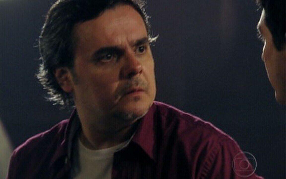 Gabino encontra Kléber no cassino clandestino