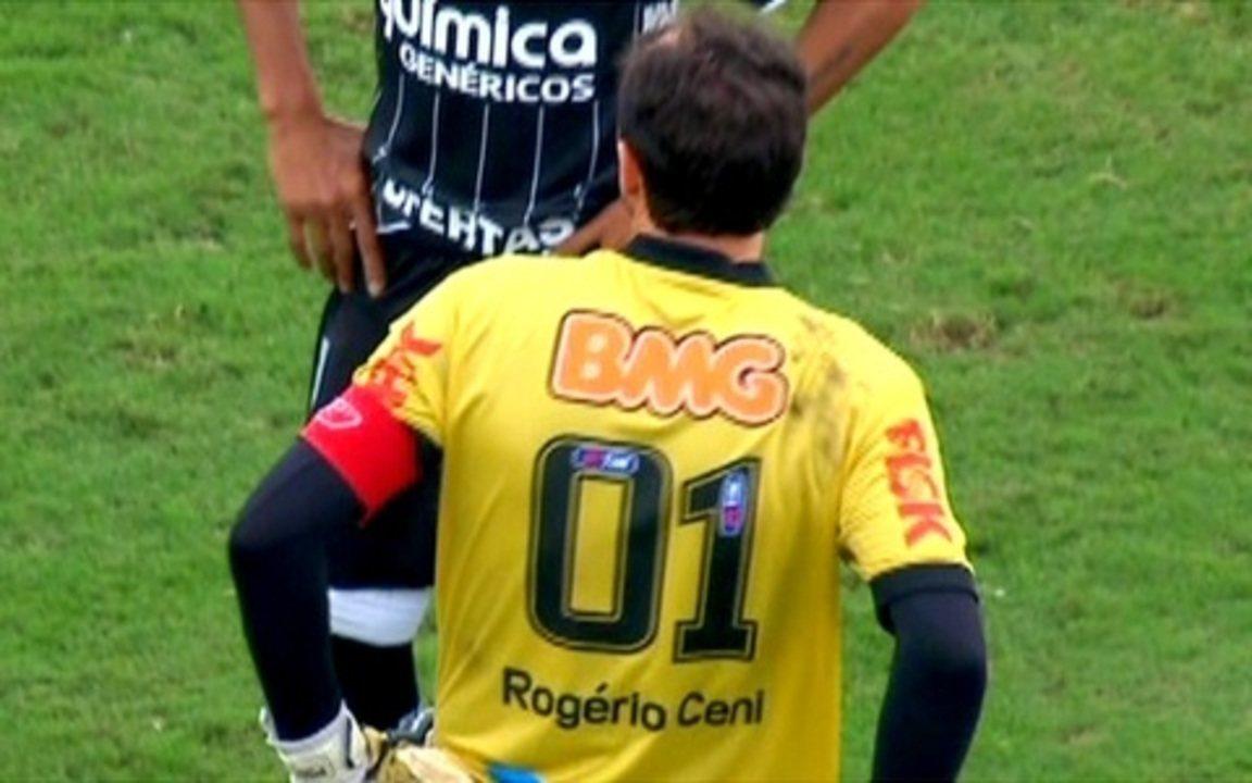 Rogério Ceni marca seu centésimo gol e pede música