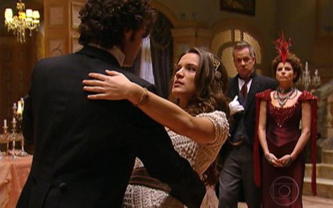 Capítulo de 18/04/2011 - No baile, várias meninas dizem ser a princesa sumida. Antônia a Inácio se apaixonam. Jesuíno e Açucena se atrasam para a festa. A rainha-mãe Efigênia reconhece a neta e desmaia