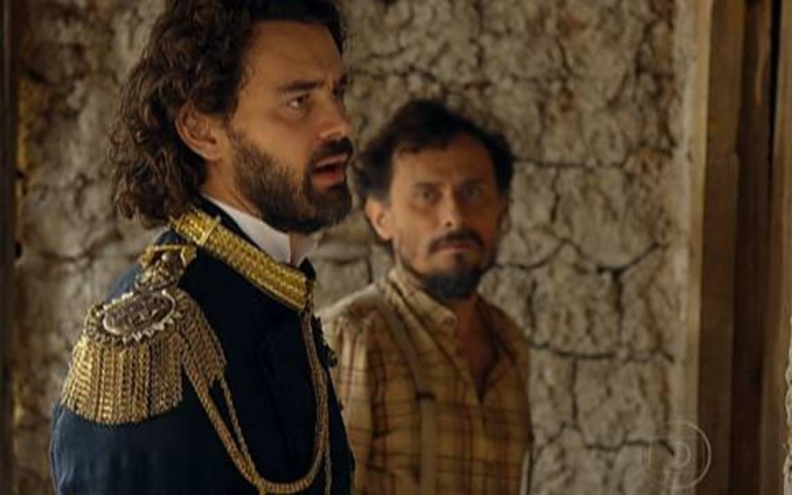 Capítulo de 17/05/2011 - Jesuíno ameaça Timóteo e dá um prazo para Miguézim aparecer. Úrsula ajuda Açucena a fugir do palácio. Açucena se entrega para Jesuíno. Rei Augusto e Euzébio procuram a princesa.
