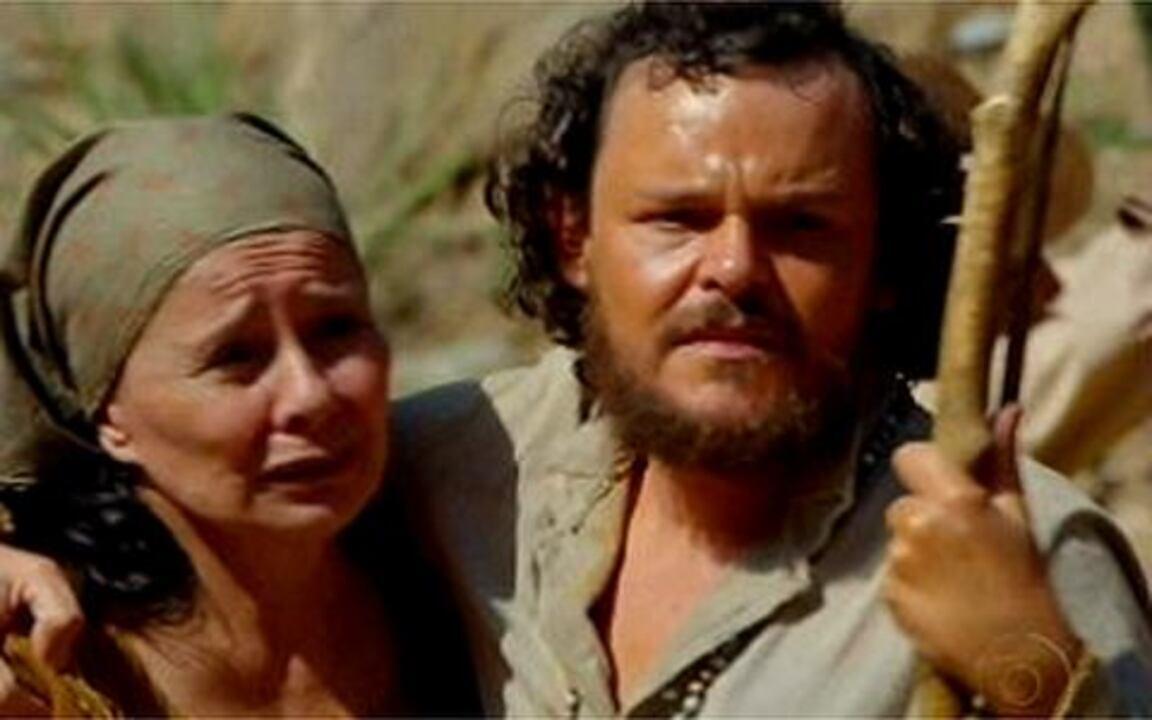 Capítulo de 19/05/2011 - Depois de ser expulsa de casa por Timóteo, Amália chega à Vila e é recebida por Miguézim