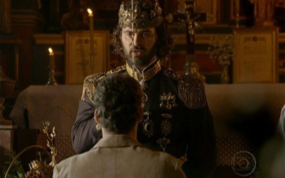 Capítulo de 31/05/2011 - Rei Augusto resolve condecorar Jesuíno por ele ter salvo Inácio. Timóteo planeja acabar com a homenagem ao desafeto. Jesuíno recebe o título de Cavalheiro da Ordem de Sanda Eudóxia.