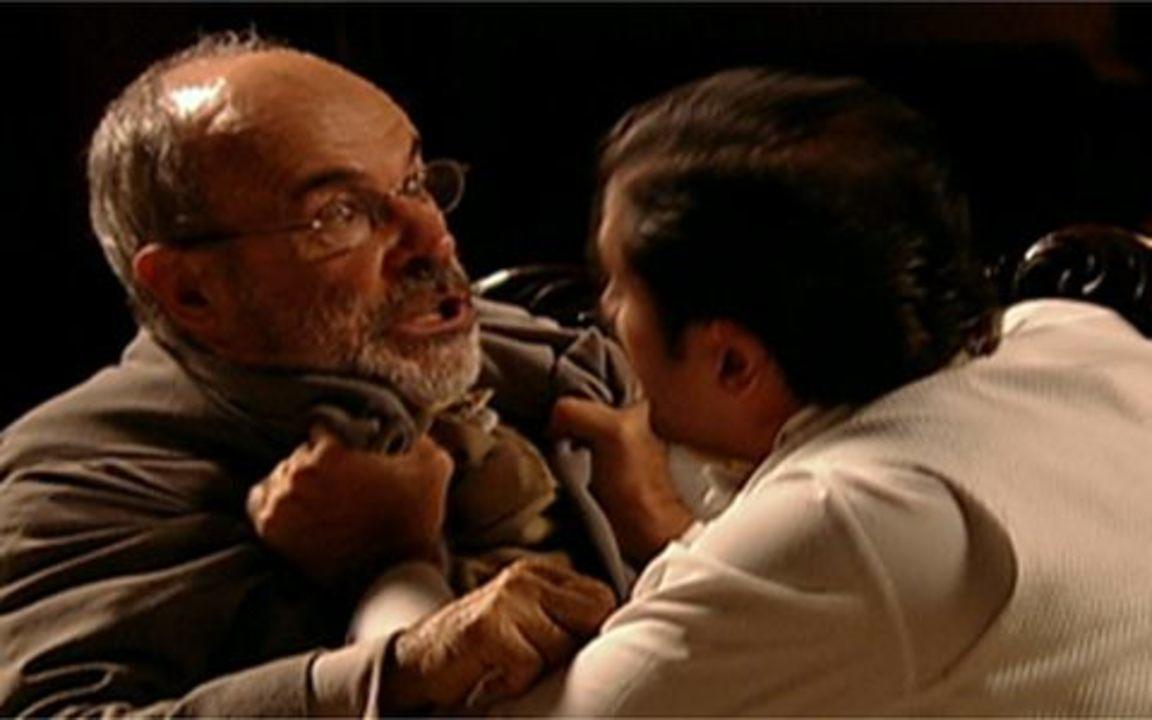 Capítulo de 04/06/2011 - Úrsula conta a Herculano que Timóteo quer matar Jesuíno. A duquesa conta a Nicolau o plano de Rei Augusto. Batoré ameaça romper com o acordo feito com Timóteo caso ele não se case com Antônia.