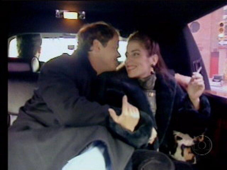 Raquel e Marcos curtem a lua de mel em Nova York, na novela 'Mulheres de Areia'