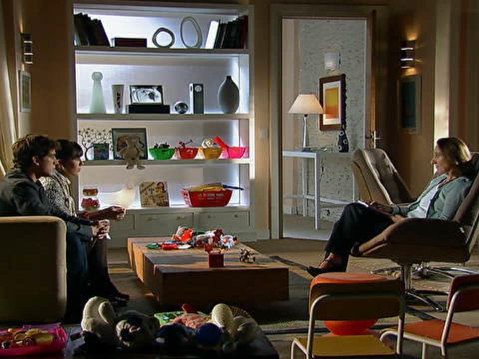 A Vida da Gente - capítulo de sexta-feira, dia 28/10/2011, na íntegra - Rodrigo e Manu vão ao psicólogo com Júlia