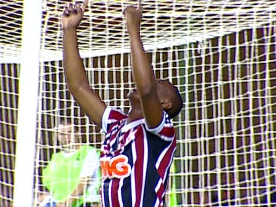De afastado no Vasco a peça-chave no Atlético-PR  Wellington vive ... 6f92091d12a09