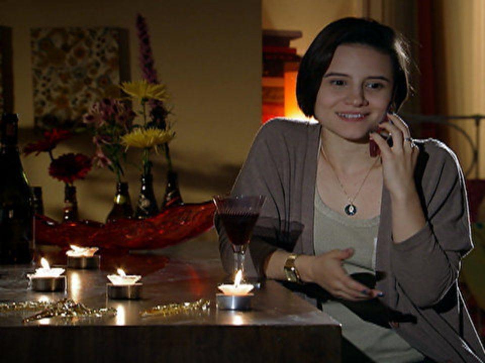 A Vida da Gente - capítulo de segunda-feira, dia 07/11/2011, na íntegra - Nina pede que Rodrigo leve Júlia para um passeio