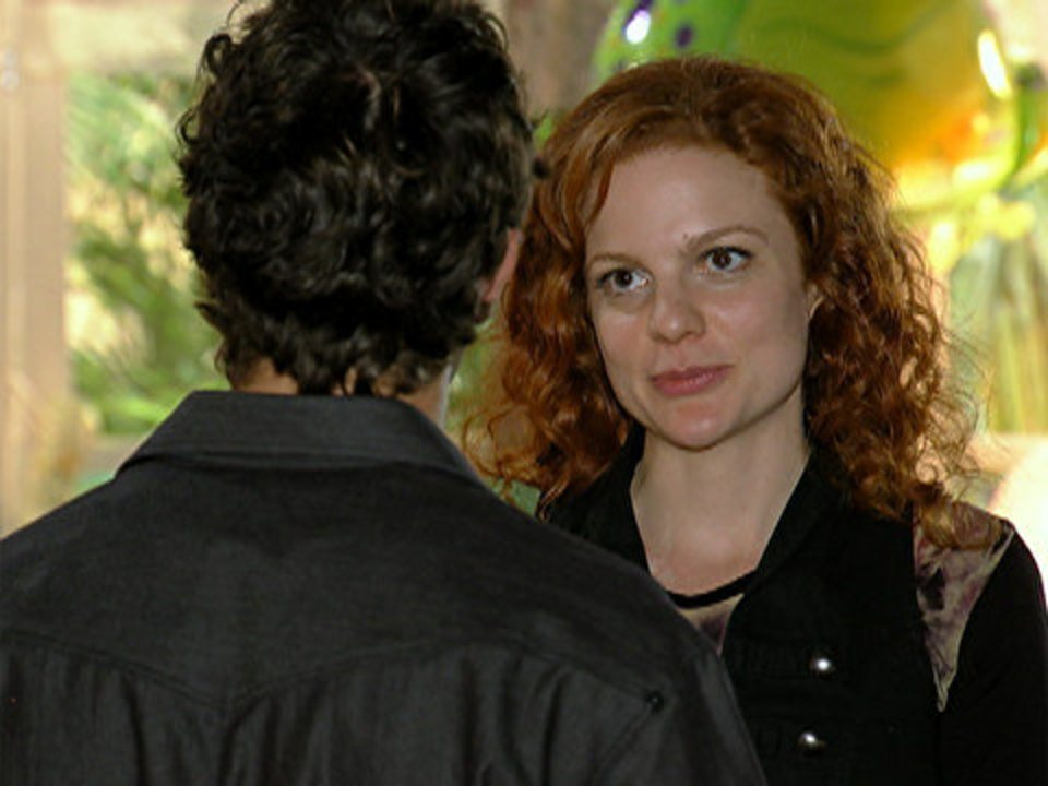 A Vida da Gente - capítulo de segunda-feira, dia 14/11/2011, na íntegra - Nanda diz a Rodrigo que vai viajar para Londres