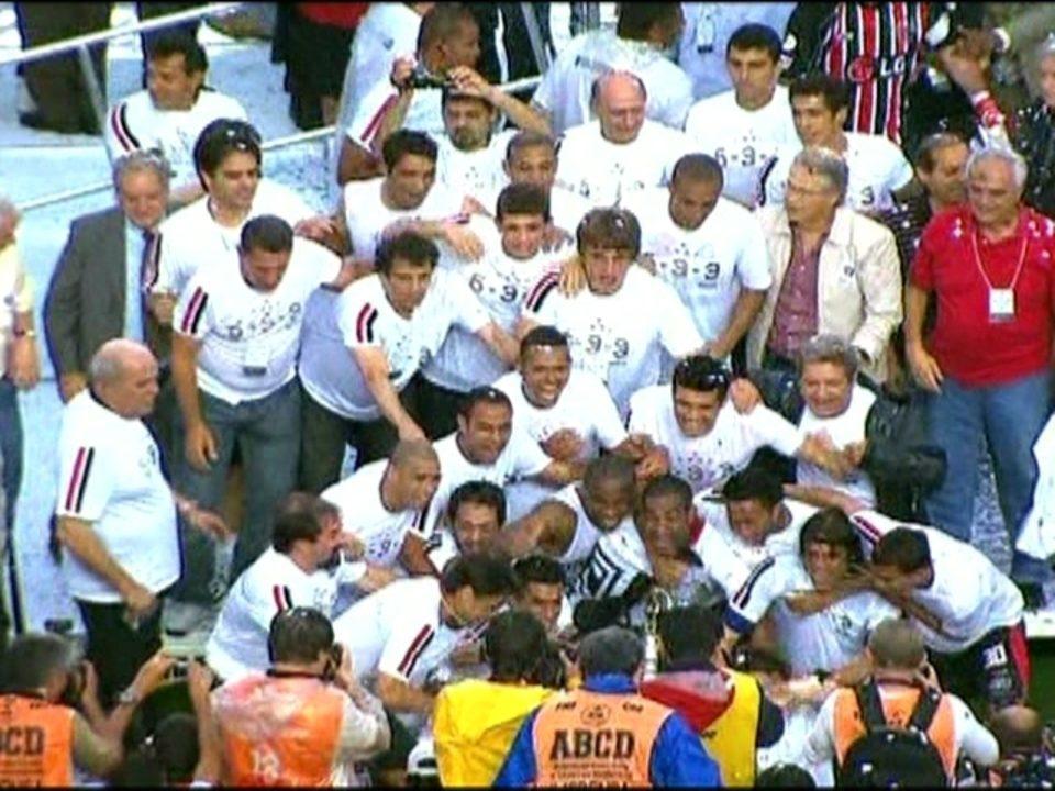 Em 2008, São Paulo vence o Goiás por 1 a 0 e conquista o Campeonato Brasileiro