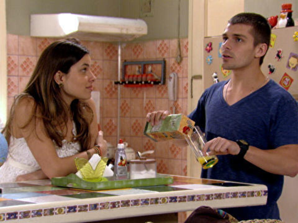 Malhação - Capítulo de quinta-feira, 22/12/2011, na íntegra - Gabriel flagra Tomás e Cristal juntos