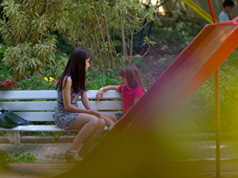 A Vida da Gente - capítulo de segunda-feira, dia 02/01/2012, na íntegra - Júlia pede para morar com Manu