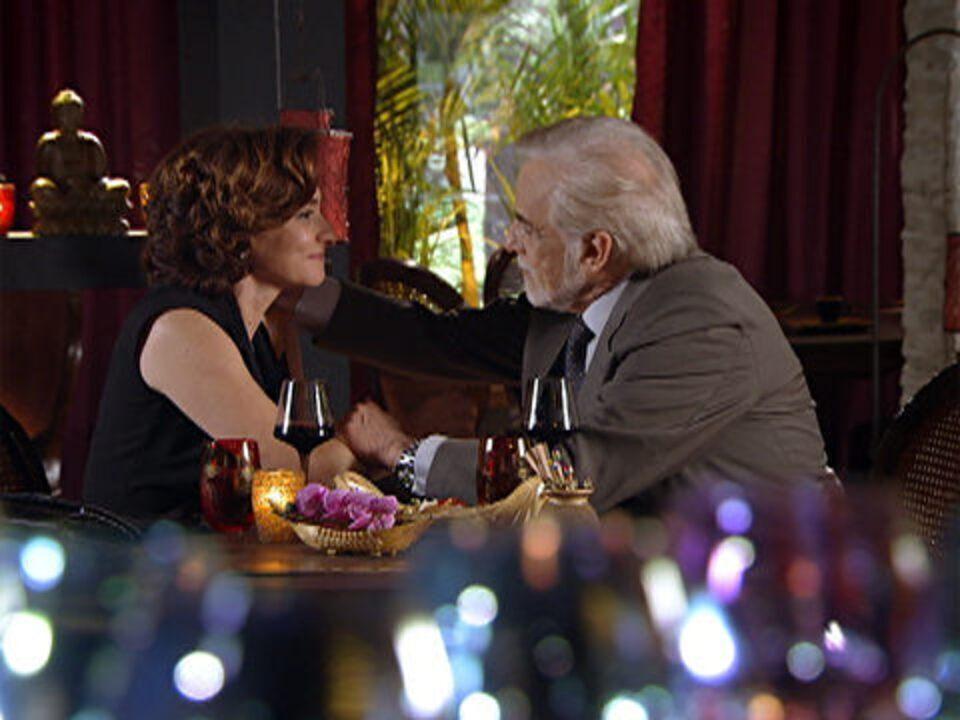 A Vida da Gente - Capítulo de sábado, 07/01/2012, na íntegra - Mariano e Vitória se beijam