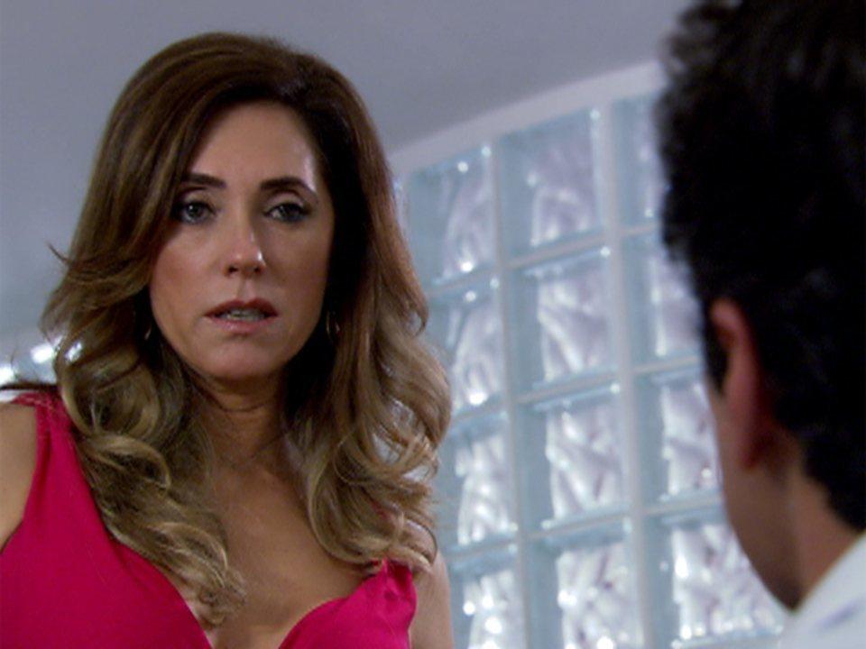 Fina Estampa - capítulo de sábado, dia 14/01/2012, na íntegra - Tereza Cristina e Ferdinand tramam contra Quinzé