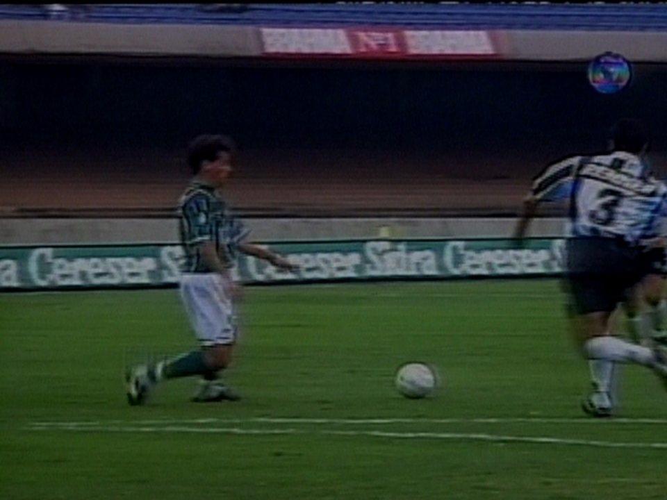 Em 1996, Grêmio perde do Palmeiras por 1 a 0 mas se classifica nas quartas do Brasileiro