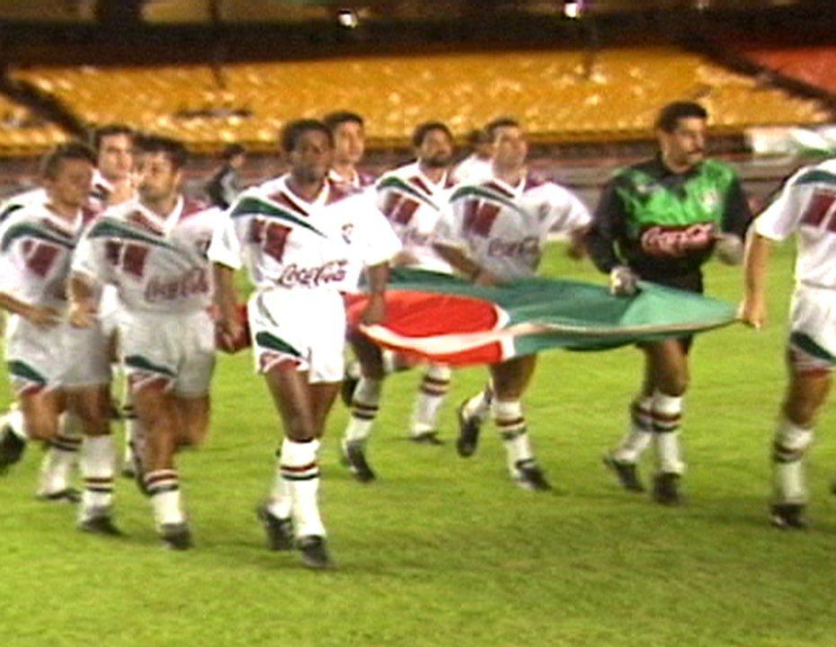 Em 1994, Fluminense goleia o Botafogo por 7 a 1 no Maracanã