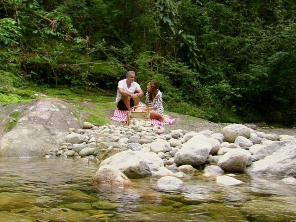 Malhação - Capítulo de quinta-feira, dia 17/05/2012, na íntegra - Nelson pede Natália em casamento
