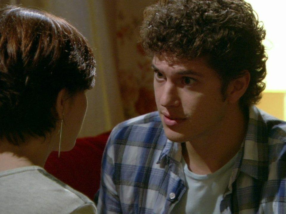 Malhação - Capítulo de terça-feira, dia 22/05/2012, na íntegra - Gabriel diz a Alexia que fingirá gostar de Cristal