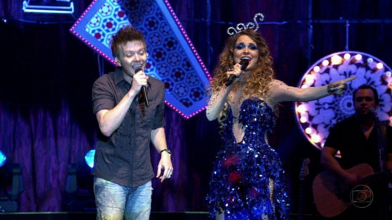 Cheias de Charme - Capítulo de sexta-feira, dia 01/06/2012, na íntegra - Chayene sobe ao palco com Michel Teló