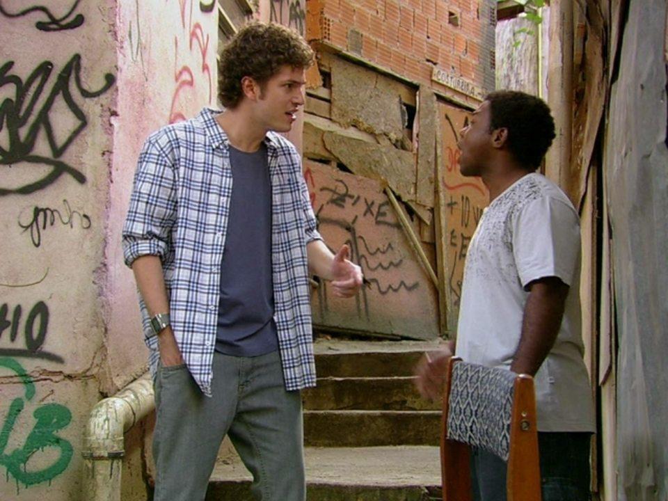 Malhação - Capítulo de quarta-feira, dia 13/06/2012, na íntegra - Janjão conta para Gabriel que Moisés armou o assalto