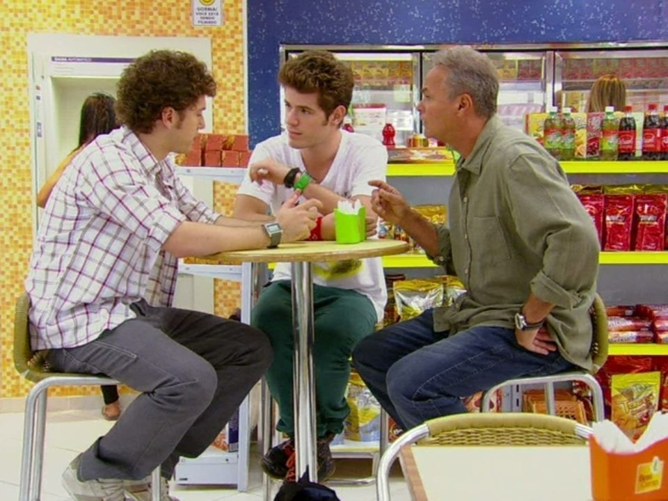 Malhação - Capítulo de segunda-feira, dia 02/07/2012, na íntegra - Gabriel explica a Kiko e Nelson plano para desmascarar Moisés