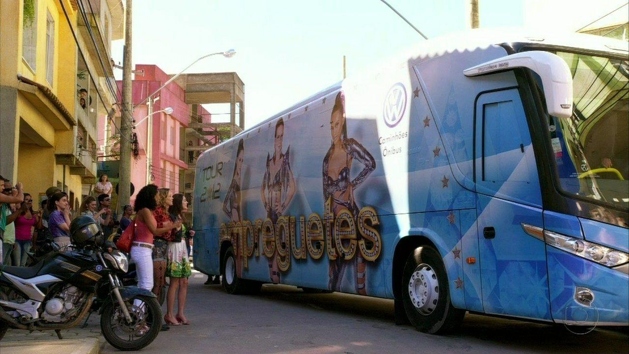 Cheias de Charme - Capítulo de sexta-feira, dia 13/07/2012, na íntegra - Socorro pede para trabalhar com as Empreguetes